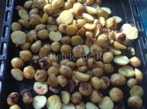 Cartofi noi la cuptor cu rozmarin