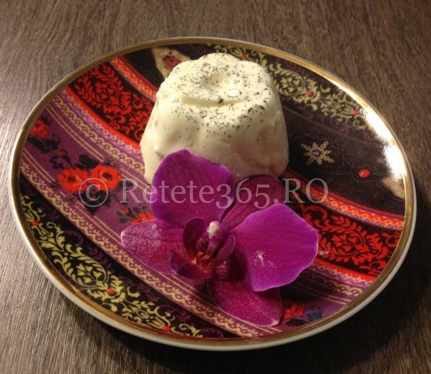 Panna cotta traditionala